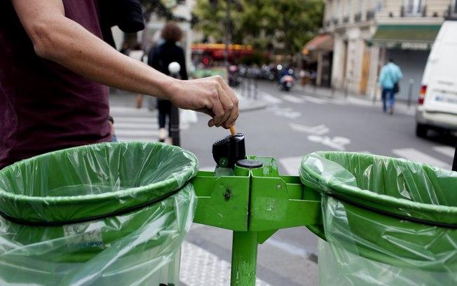 Paris e a guerra contra a falta de educação