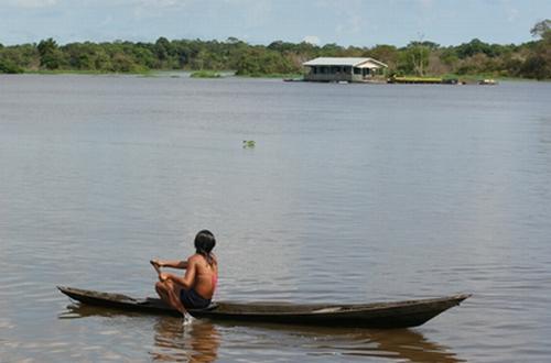 Cheia no Rio Amazonas – Foto de Evandro Teixeira