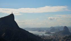 Governo do Rio deve para empresa que aluga carros para a PM