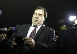 Presidente da Câmara acelera privatização da Eletrobras