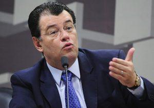 Eduardo Braga articula derrubada de decreto que reduz IPI