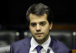 Filho de Cabral manterá sobrenome nas urnas