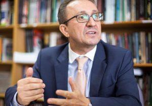 Desembargador Favreto vira alvo de representações no CNJ