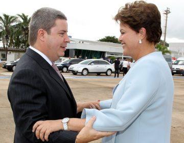 Dilma e Anastasia entre tapas e beijos em Minas