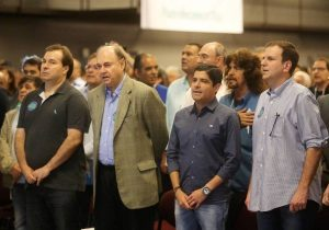 DEM divide apoio entre PT e Bolsonaro
