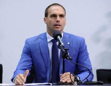 Projeto de filho de Bolsonaro autoriza armas em voos