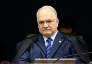 Voto de Fachin sobre Lula abre precedente perigoso no judiciário