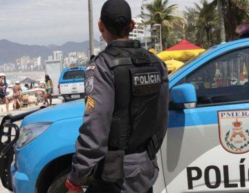PM do Rio recebe 50 fuzis do Exército