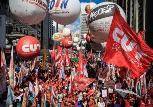 Centrais sonham com volta do imposto sindical se Haddad vencer