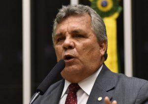 Deputado cotado por Bolsonaro foi alvo de processo por caluniar Marielle