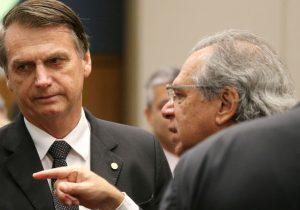 Equipe econômica de Bolsonaro diverge sobre o teto de gastos