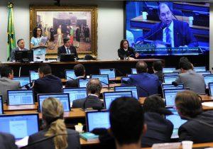 Base de Bolsonaro pretende comandar principais comissões no Congresso