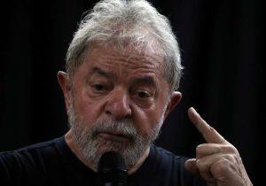 PT quer reunir 500 em ceia de Natal 'com Lula' em frente à PF