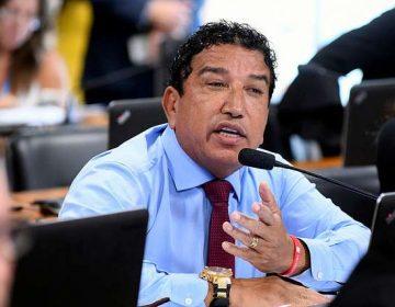 Presidente Bolsonaro busca saída honrosa para Magno Malta