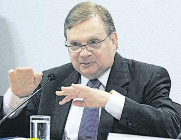 Tucanos apontam Tasso como 'salvador' de Bolsonaro no Senado