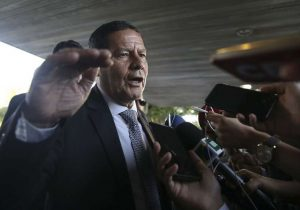 Oposição tenta derrubar mudanças na LAI