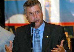 Rollemberg volta ao cargo de Analista Legislativo do Senado