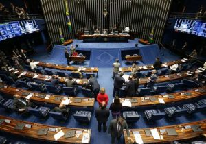 Sem sinal: Lei das Teles empaca no Senado