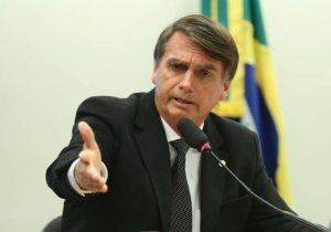 Canetada de Bolsonaro garante recorde de decretos no 1º mês