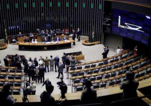 Novatos usam proximidade com Bolsonaro para disputar cargos na Câmara