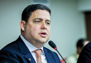 Futuro presidente da OAB é alvo de críticas nas redes sociais