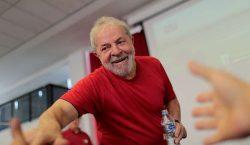 Fotos autografadas por Lula serão leiloadas em SP