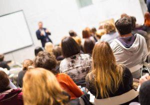 Deputado denuncia viés ideológico em universidades públicas