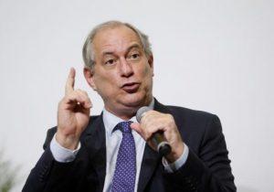 Ciro reúne artistas e intelectuais no Rio para debater 100 dias de Bolsonaro