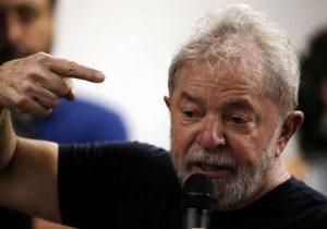 Lula pede ao PDT apoio para reforçar movimentos nas ruas
