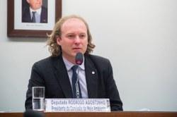 Presidente da Comissão de Meio Ambiente questiona a liberação de pesticidas