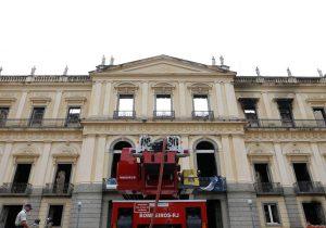 Museu Nacional recebe apoio da Mangueira