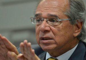 Guedes manda para Congresso proposta que enfraquece OAB