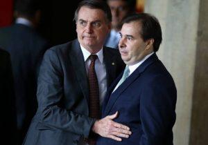 Bolsonaro e Maia mudam discurso sobre flexibilização do teto