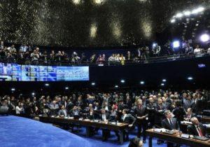 Base fragilizada atrasa votação da Previdência no Senado