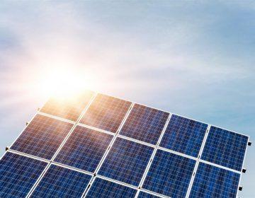 Taxa de energia solar entra na mira do Congresso