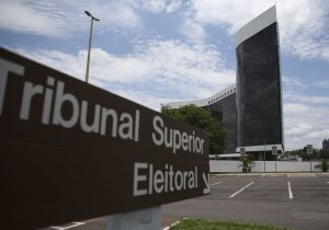 Brasil pode ter 100 partidos se TSE liberar assinatura eletrônica