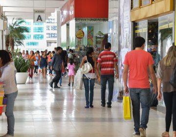 Pesquisa: 75% dos brasileiros apoiam abertura do comércio aos domingos e feriados