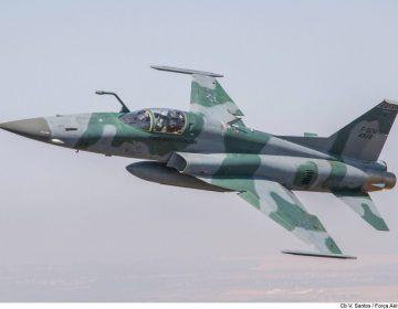 FAB vai leiloar peças e fuselagem de caça F-5 e outras aeronaves