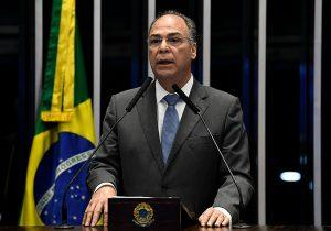 Bezerra tenta apoio do governador de Pernambuco para o Senado