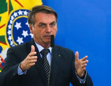 Bolsonaro telefona para Xeiques dos Emirados e presidentes da AL