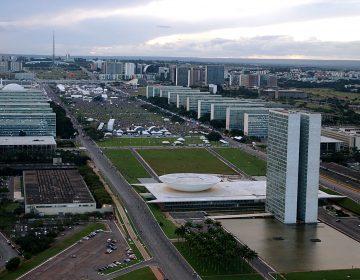 Manifestantes pró-armas se reúnem em Brasília