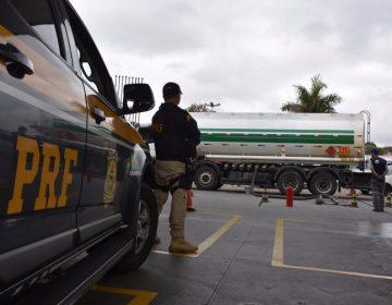 PRF vai pagar R$ 3,4 milhões por viaturas de transporte de cães