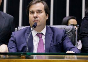 Visita de Maia ao Recife indica busca de apoio para PEC da reeleição
