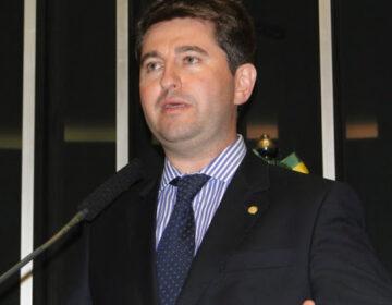 Deputado economiza R$ 200 mil e apresenta projeto para combate ao Covid