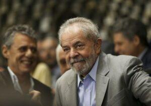 Lula e Chico Buarque fazem campanha por neta de Arraes no Recife