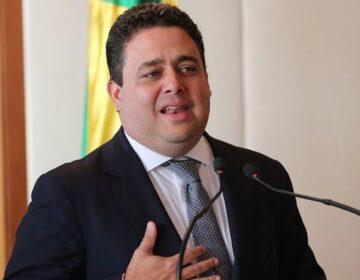Advogados pedem afastamento de Santa Cruz da OAB