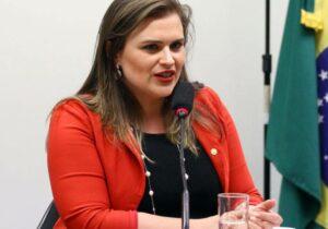 Publicitário condenado faz campanha de Marília Arraes