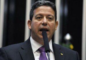 Bolsonaristas apostam em vitória de Arthur Lira para retomar pautas engavetadas