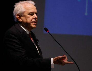 Com demissão de Castello, Bolsa vê volta do Custo Brasil