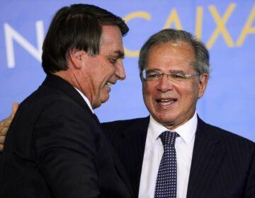 Bolsonaro consulta Guedes sobre ampliação do teto de faturamento do MEI